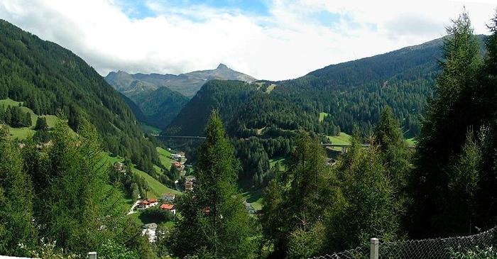 Veien gjennom Brennerpasset er en av de aktuelle rutene til Kroatia. Foto: Wikipedia Creative Commons.