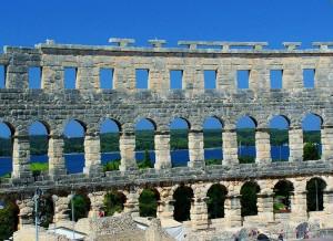Restene av det romerske amfiteateret i Pula. Foto: Wikipedia Creative Commons.