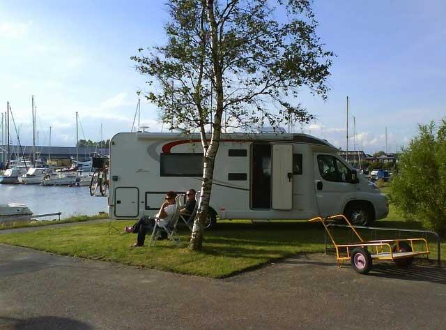 Lundåkrahamnens bobilparkering ved Landskrona. Foto: Lars Dehnke.