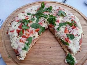 Vi bakte pizza på denne grillen. Foto: Knut Randem.