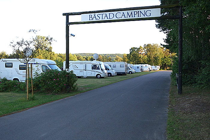 Gode plasser for bobiler på Båstad camping. Foto: Knut Randem.