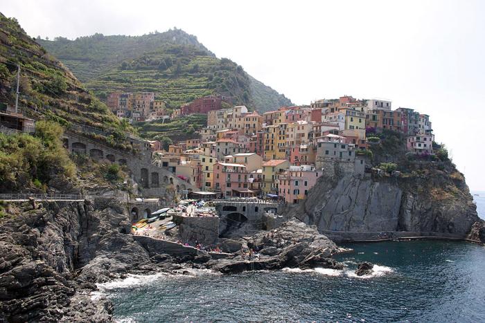 Manorola i Cinque Terre var et av målene for Turid og Antonio Piscopo i fjor høst. Foto: Casey Muller Lisensiert under CC BY-SA 3.0 via Wikimedia Commons.