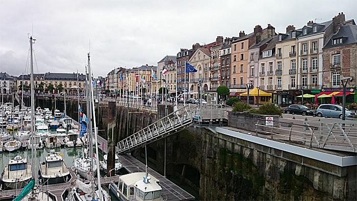 Dieppe er en av de første byene du møter langs kysten i Normandie. Tidevannsforskjellene er store langs kysten. Foto: Knut Randem.
