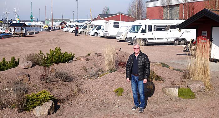 Plassens driver, Gustafsson håper på 5000 gjestedøgn i år og utvidelse neste år. Foto: Knut Randem.