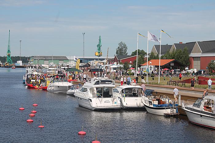 Sommerstemning på bobilplass og brygge i Kristinehamn. Foto: Markus Redman.