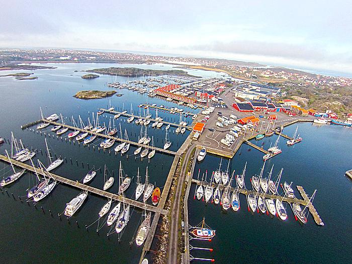 Bobilparkering på Øckerø ved Fiskerhavnen. Foto: Yngvar Halvorsen.