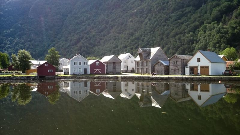 Det gamle Lærdalsøyri. Foto: Knut Randem.