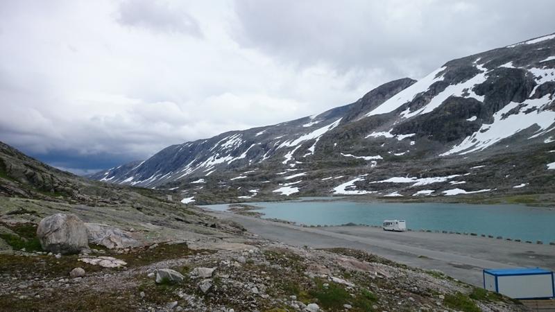 Sommerskisenteret på Strynefjellet har god plass til fricamping når skiføret har gitt seg for sesongen. Foto: Knut Randem.
