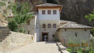 Flott byggverk, opprinnelig fra 1400-tallet, restaurert fra 2008 til 2012.