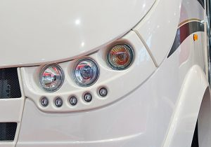 Importerte bobiler fra Canada, USA og EØS skal ikke behøve oransje blinklys, dersom annet er montert originalt.